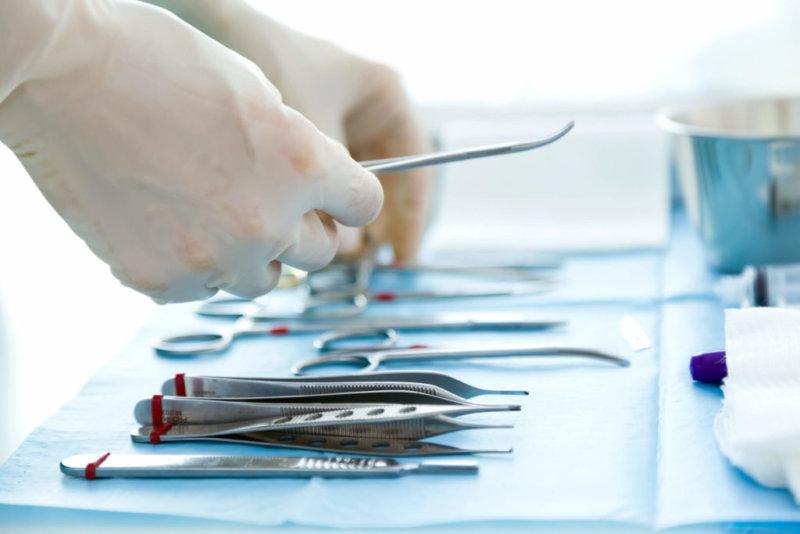 фото инструменты для операции