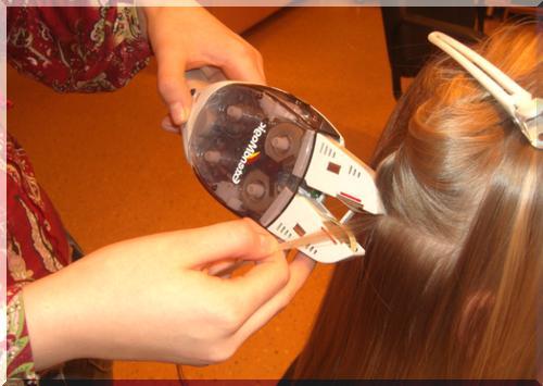 Процесс наращивания волос