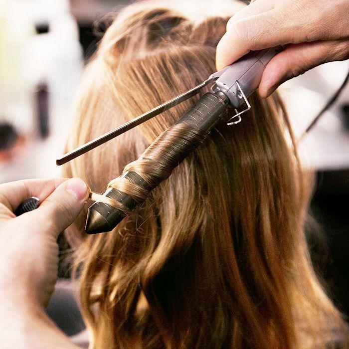 Накрутить волосы плойкой