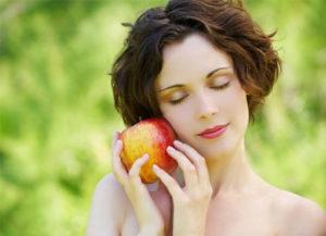 Яблочный Спас несет хорошие приметы для девушек