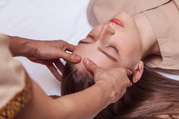 Лечебный массаж кожи головы