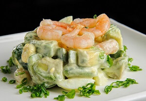 салат необычный с авокадо