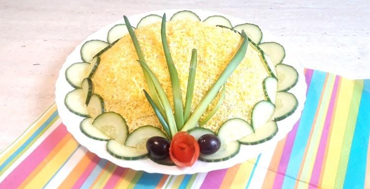 салат с рисом и сыром