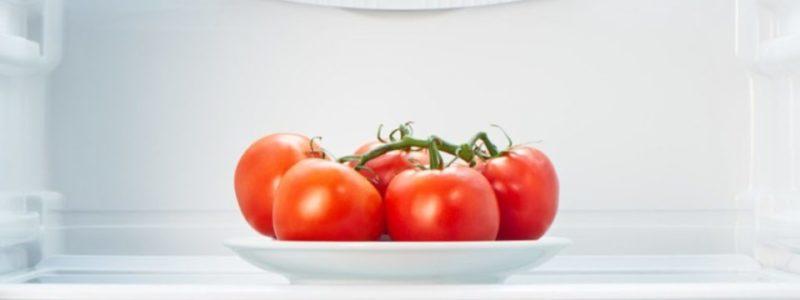Почему помидоры нельзя хранить в холодильнике и чем это чревато