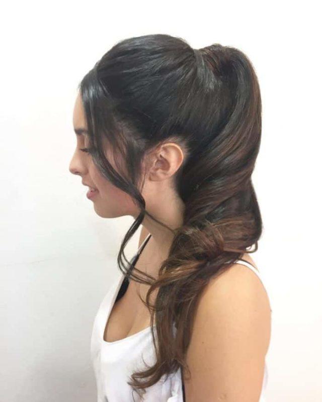 прически на длинные волосы для старшеклассниц