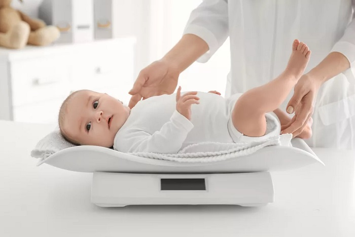 как взвешивать младенца